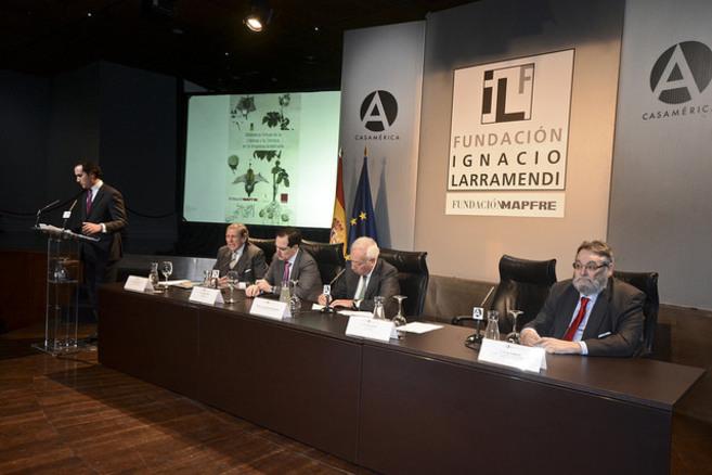 Tomás Poveda, Luis Hernando de Larramendi, Antonio Huertas, José...