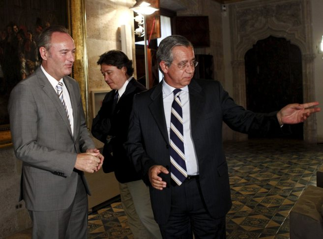 El presidente del CJC, Vicente Garrido, junto a Alberto Fabra.