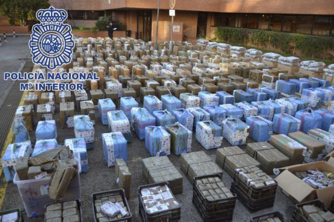Fardos de hachís en la Jefatura Superior de Policía de Madrid,...