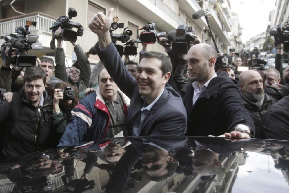 Alexis Tsipras (C), líder de la oposición y jefe del partido radical...