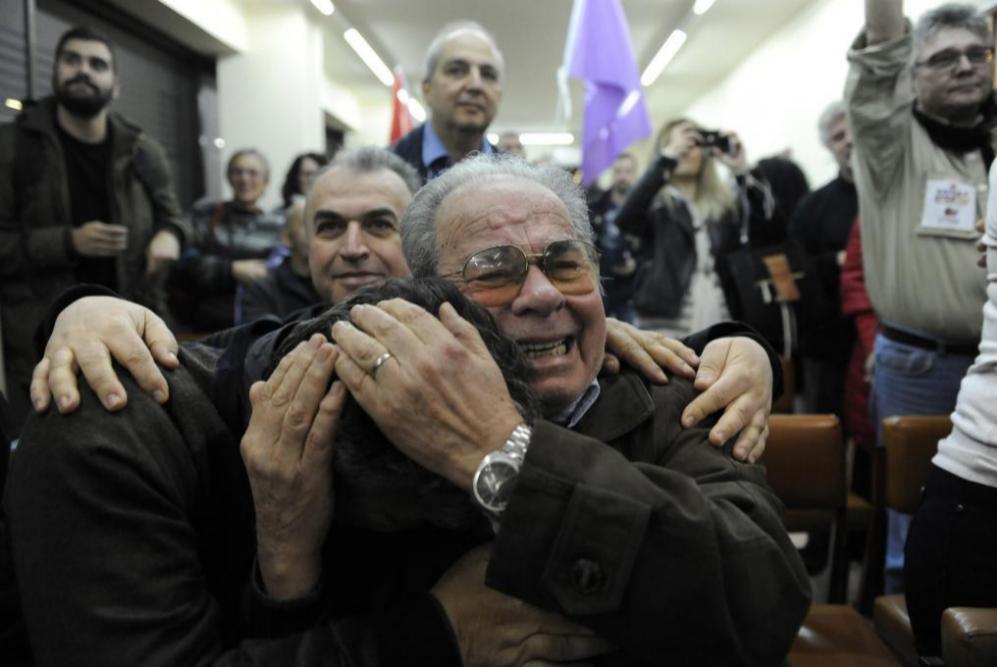 Emoción entre los votantes de Syriza, en la norteña ciudad portuaria...