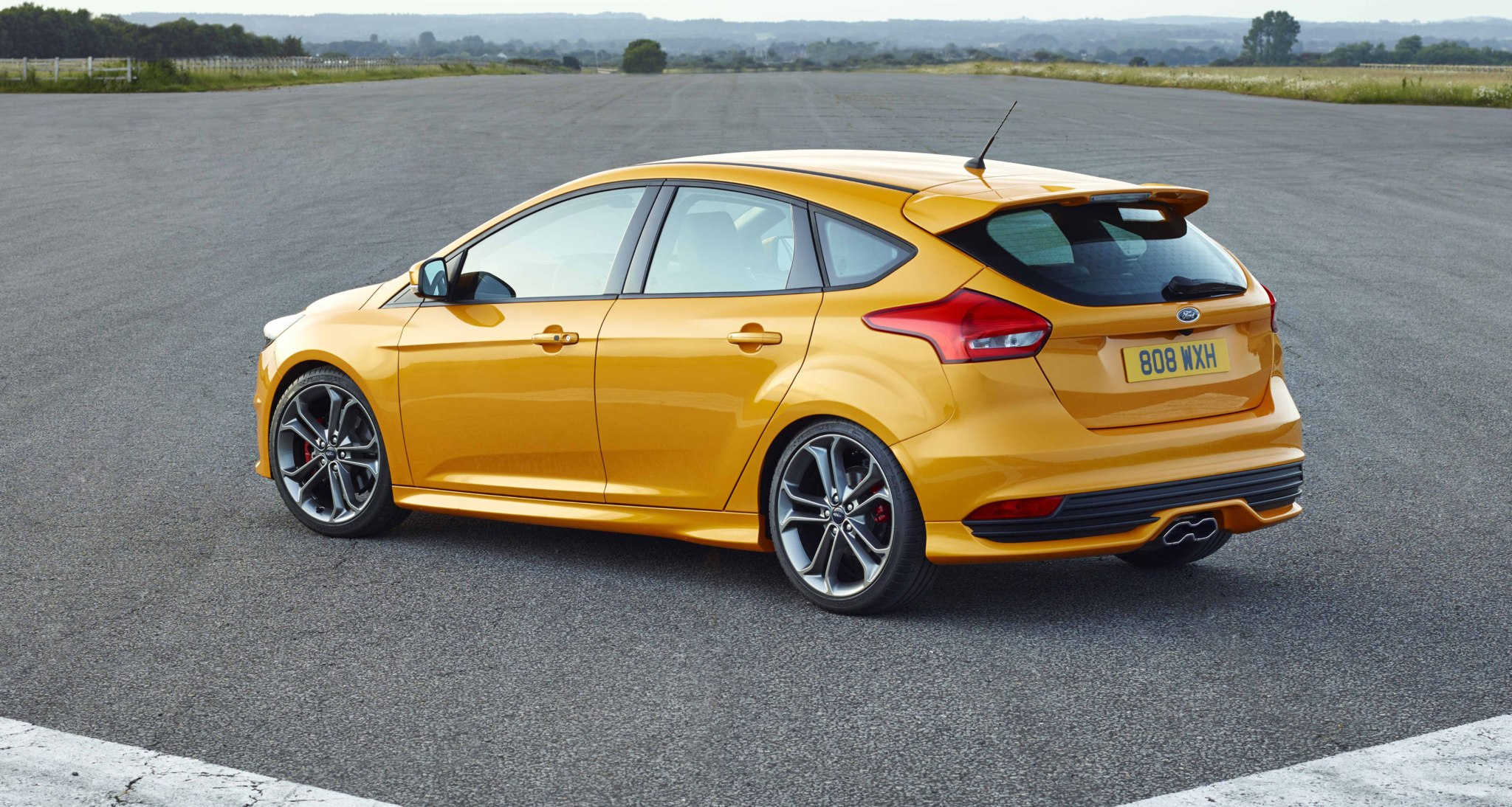 ford focus st con mucha marcha motor el mundo. Black Bedroom Furniture Sets. Home Design Ideas