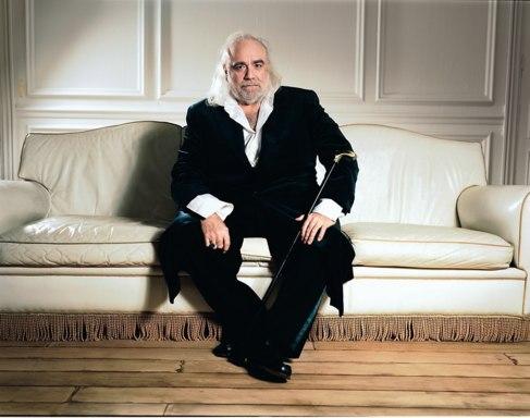 Demis Roussos, en una imagen promocional reciente.