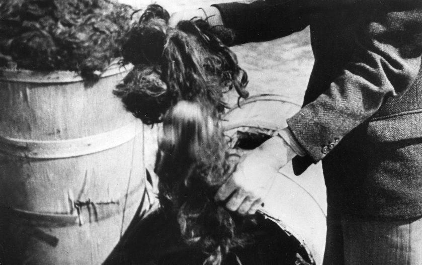 Restos de cabellos humanos hallados en el campo de concentración...