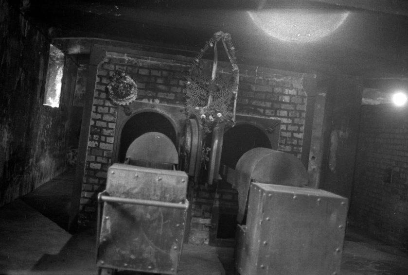 Los tristemente célebres hornos crematorios de Auschwitz.