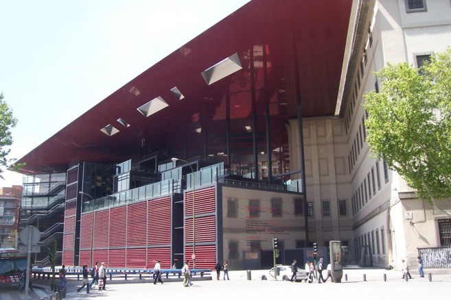 Fachada del Museo Nacional Centro de Arte Reina Sofía, la...