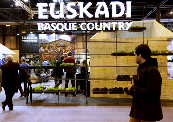 Espacio de Euskadi en la feria Fitur de 2014.