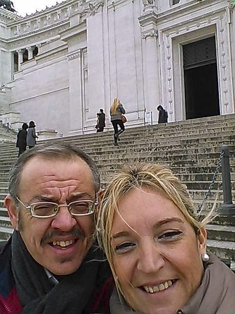Diego, junto a su novia, en una imagen tomada en Roma.