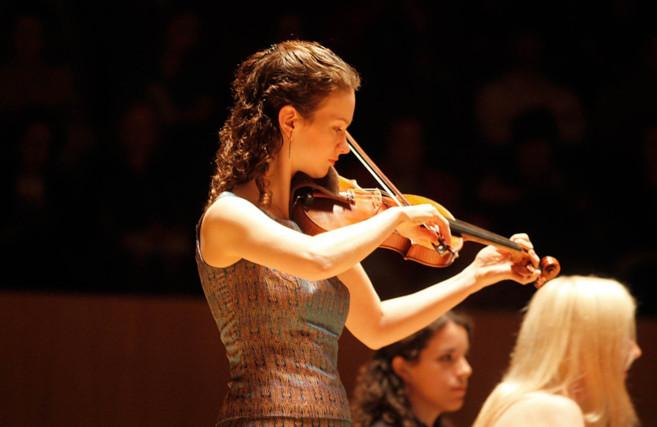 La violinista Hilary Hahn en una actuación en el Palau de la Música...