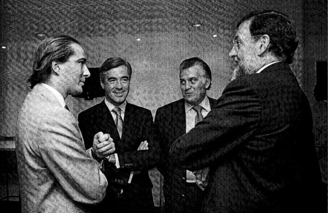 El arquitecto Urquijo (izquierda), junto a Acebes, Bárcenas y Rajoy...