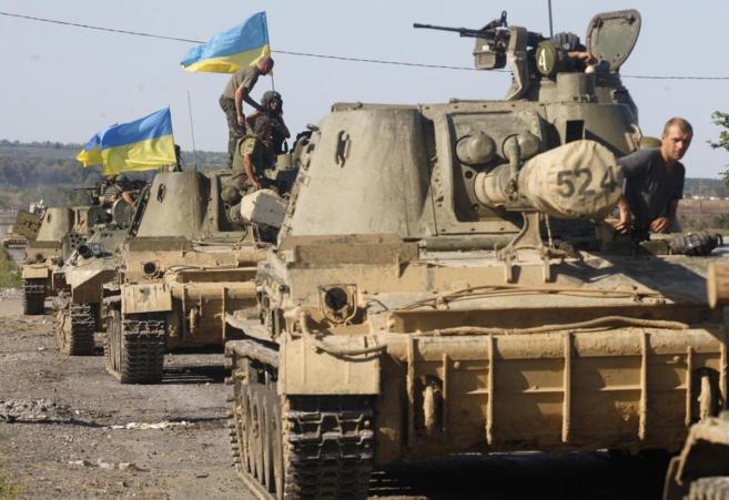 Columna de tanques ucranianos en Donetsk