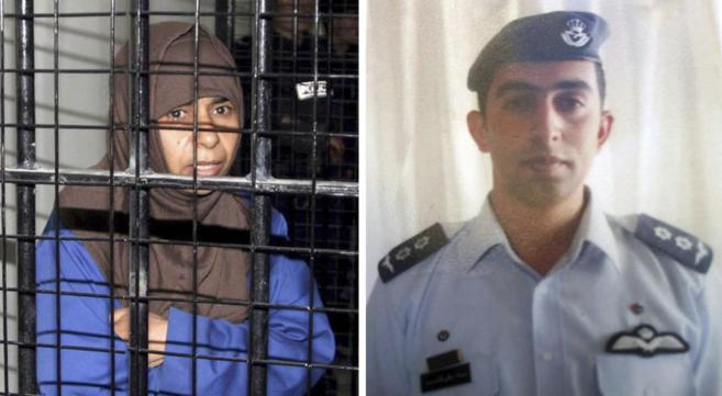 La terrorista iraquí en su celda. Al lado una fotografía del piloto...