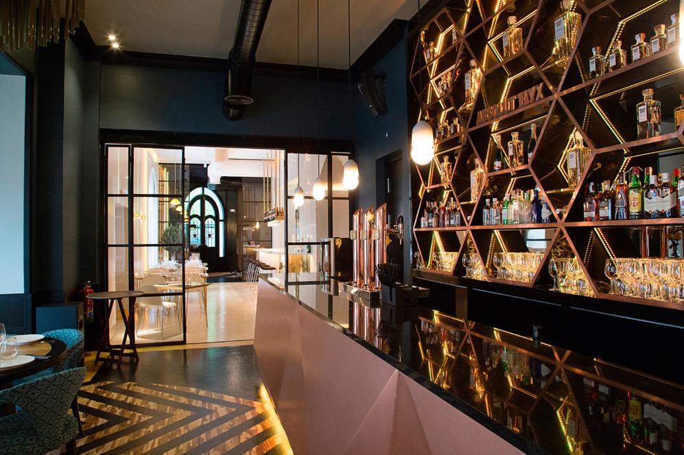 De copas sin salir del restaurante tendencias el mundo - Decoracion bares modernos ...