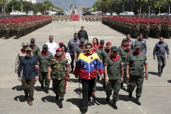 El presidente Nicolás Maduro, durante un desfile militar en Caracas.