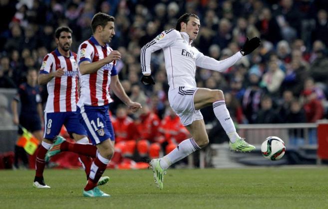 Bale intenta marcharse de Gabi en el último derbi de Copa en el...