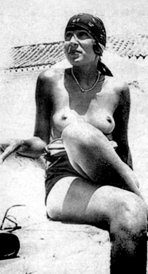 Gala Dalí, en Torremolinos, en 1930.