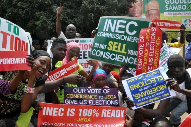 Protesta contra la suspensión de las elecciones presidenciales, en...