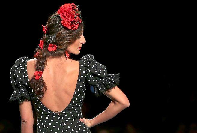 Traje flamenca negro lunares