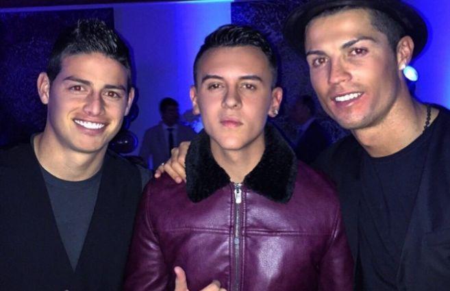 James Rodríguez, Kevin Roldán y Cristiano Ronaldo, el sábado en el...