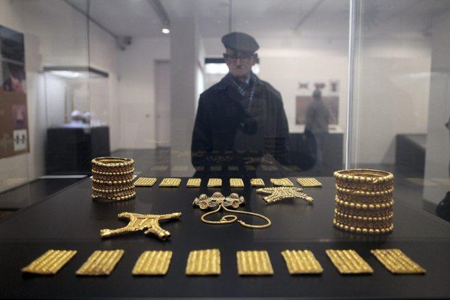 Exposición del tesoro del Carambolo, en el Museo Arqueológico en...