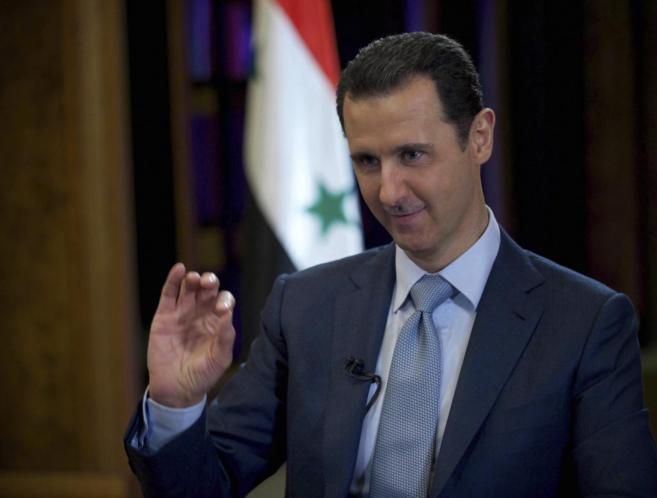 El líder sirio, Bashar Asad, durante la entrevista emitida por la BBC...