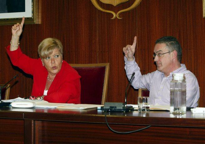 Milagrosa Martínez, durante un pleno en el Ayuntamiento de Novelda.