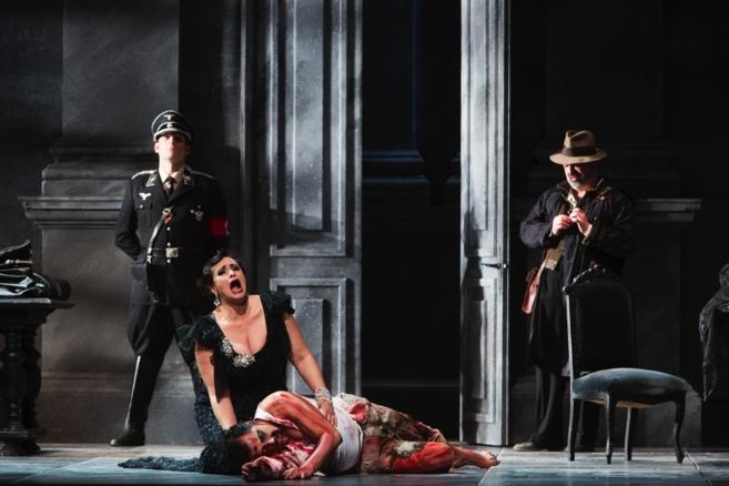 Un momento del montaje de 'Tosca' en el Teatro Villamarta de...