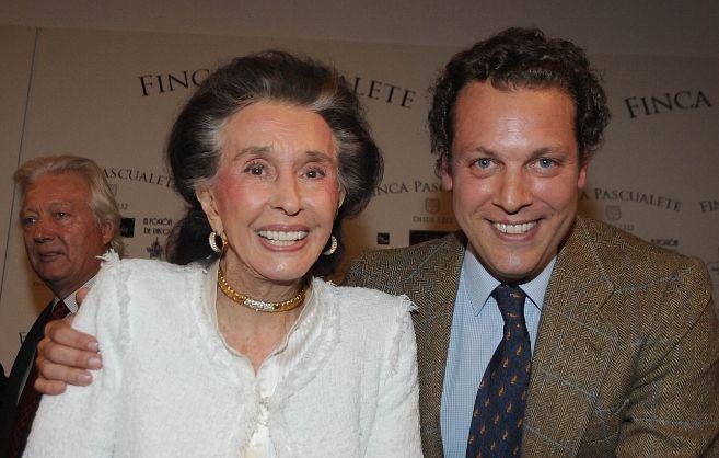 Aline Griffith y su nieto, Juan Figueroa