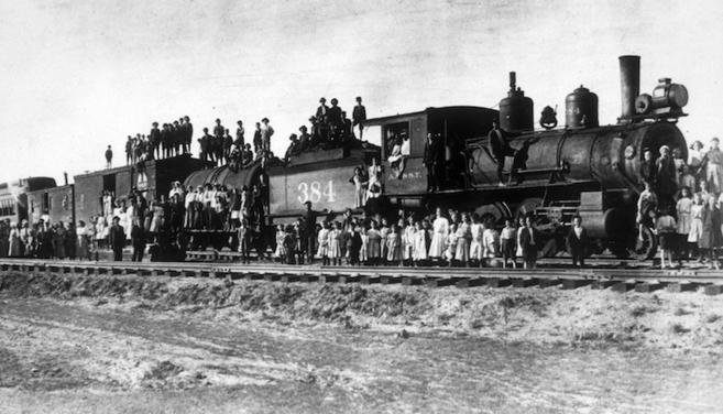 """Uno de los 'Trenes de huérfanos"""" que entre 1854 y 1930..."""