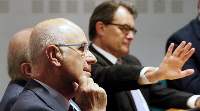Josep Antoni Duran Lleida (en primer plano) y el presidente de la...