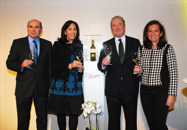Pedro Rebuelta, vicepresidente de Gonzalez Byass, y Marina García de...