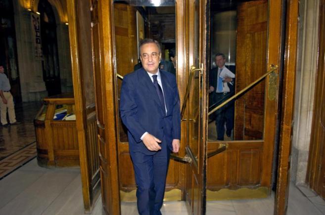El presidente de ACS a la entrada del Palacio de la Bolsa de Madrid.