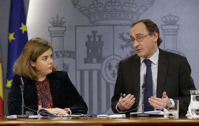 Sáenz de Santamaría y Alonso, después del Consejo de Ministros,...