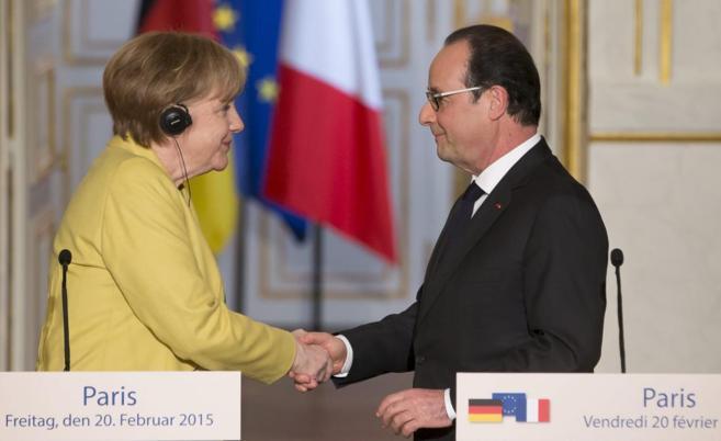La canciller alemana, Angela Merkel, en rueda de prensa junto al...