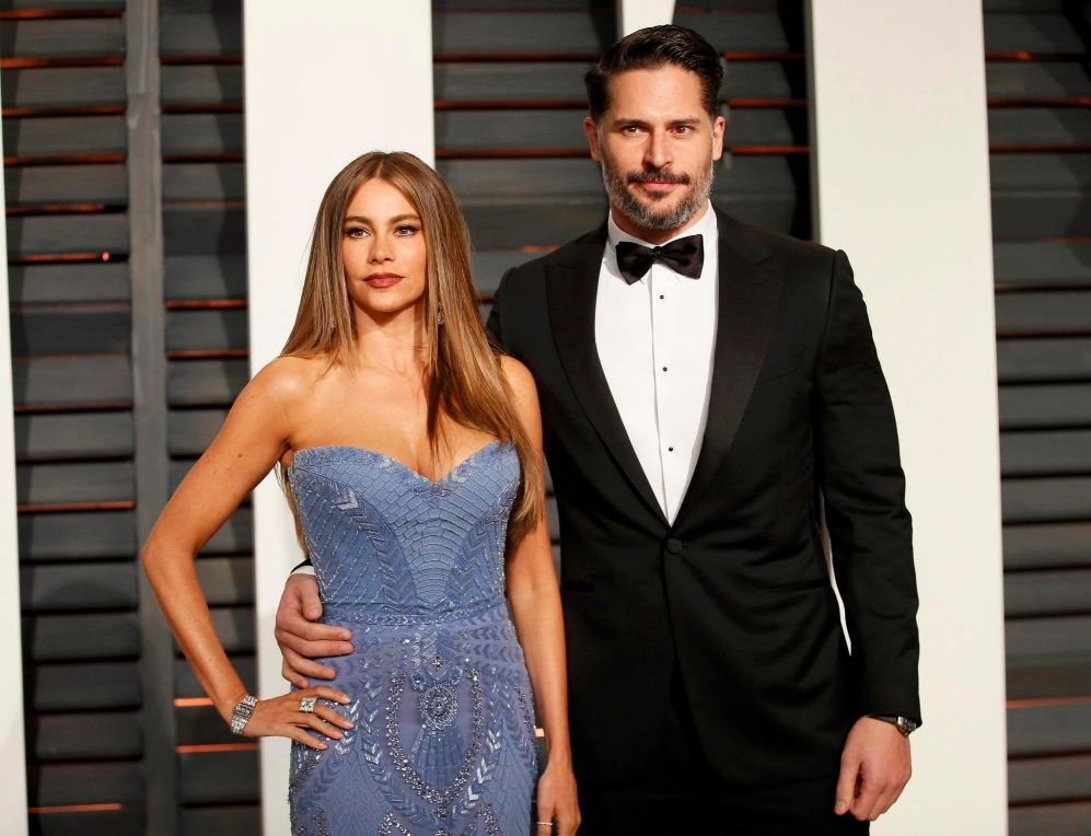 La actriz Sofia Vergara, con su prometido, Joe Manganiello, en la...