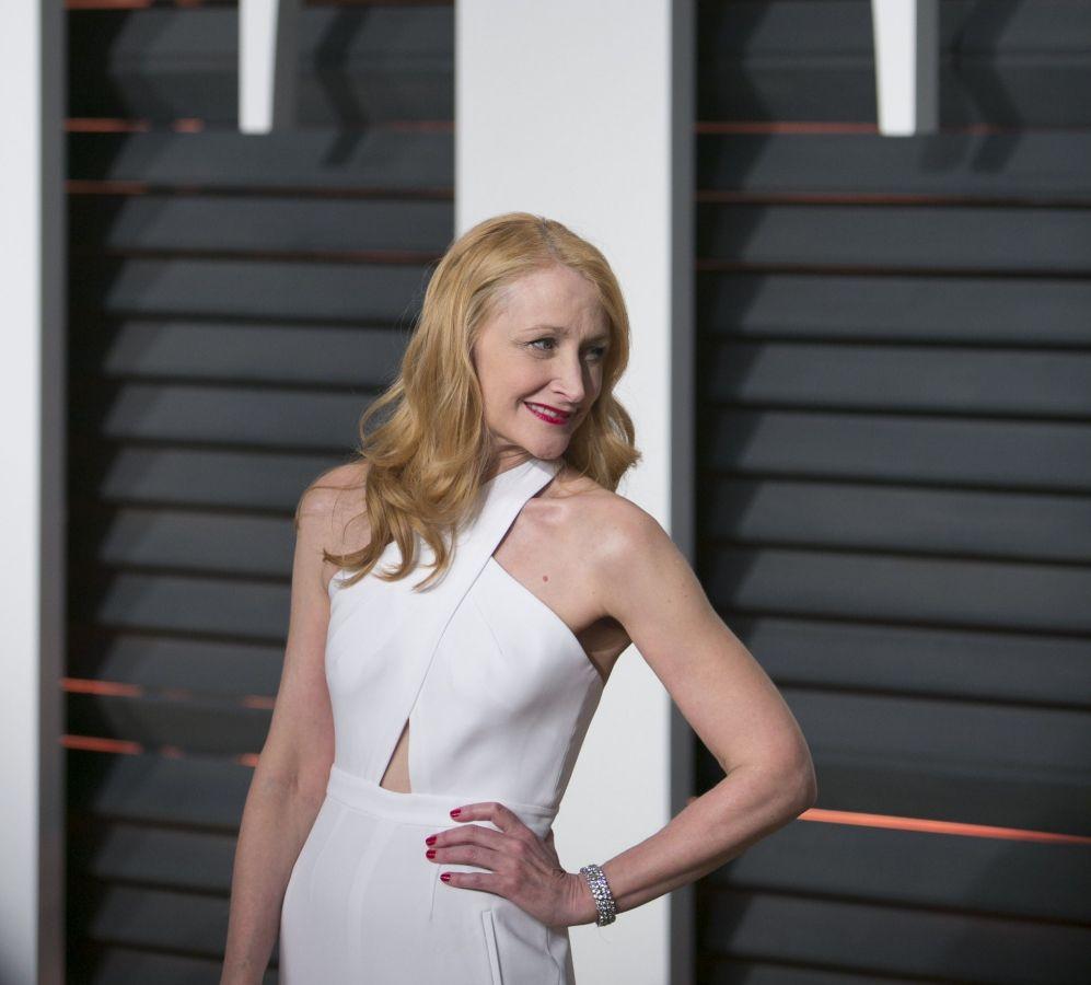 La actirz Patricia Clarkson, a su llegada a la fiesta de Vanity Fair.