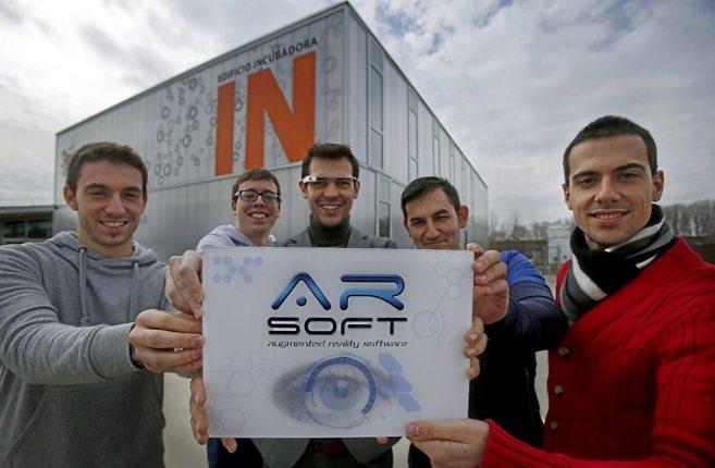 Trabajadores de la empresa Arsorf, situada en el Parque Científico de...