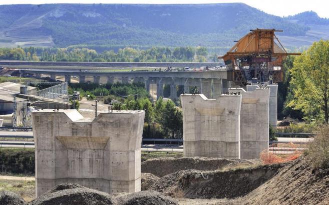 Obras del corredor noroeste del futuro AVE a su paso por Venta de...