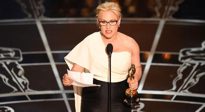 Patricia Arquette durante su discurso al recoger el Oscar por su papel...