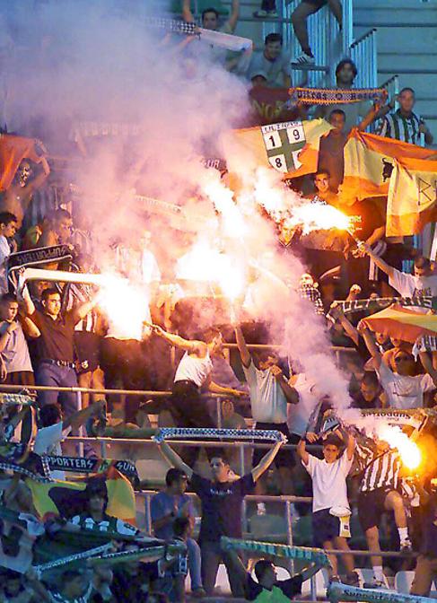 Un grupo de seguidores del Betis.