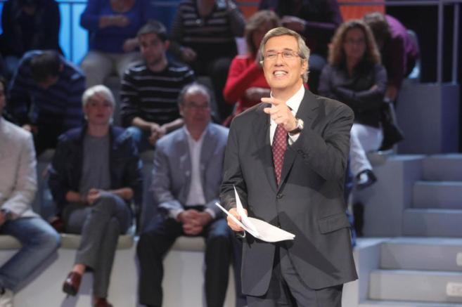 Ernesto Sáenz de Buruaga, durante una de los debates que ha...