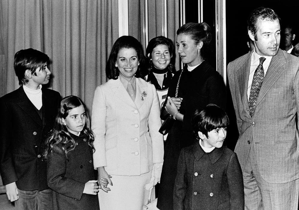 Carmen Martínez Bordiú tiene varios hermanos, con los que aparece en...