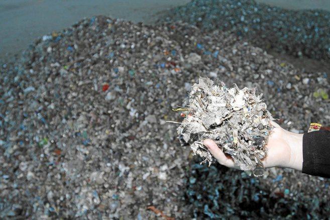 Residuos de las primeras importaciones de basura foránea en Son Reus,...