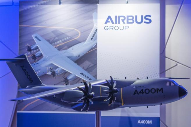 Modelo de un avión de transporte militar A400M de Airbus