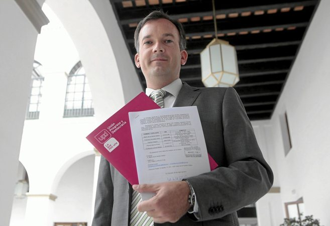 Martín de la Herrán, en los pasillos del Parlamento.