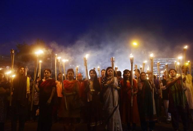 Activistas seculares participan en una protesta en Bangladesh por el...