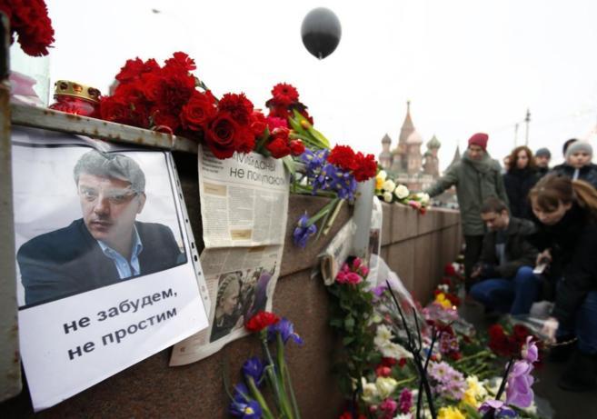 Homenaje ciudadano en Moscú al opositor asesinado.
