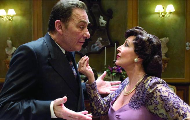 Héctor Colomé y Concha Velasco en la obra 'Filomena...