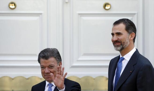 Juan Manuel Santos y Felipe VI, en el Palacio de la Zarzuela.