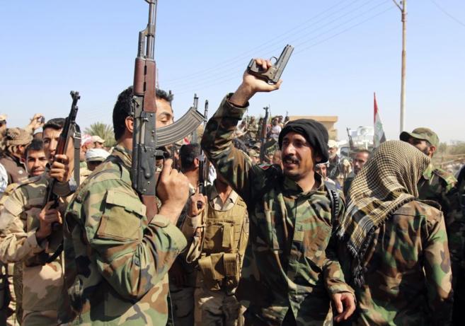 Fuerzas de seguridad iraquíes participantes en la operación para...